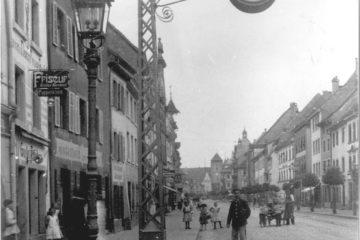 1.42.91-D-069-Uhr-Niedere-Straße-347